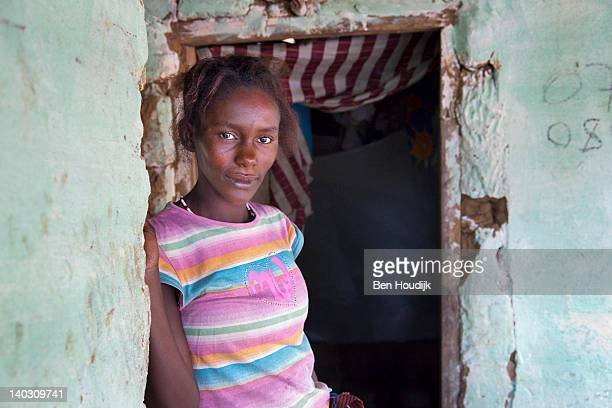 woman - freetown sierra leone stock pictures, royalty-free photos & images