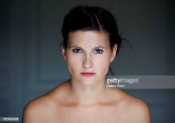 woman - ontbloot bovenlichaam fotos stockfoto's en -beelden