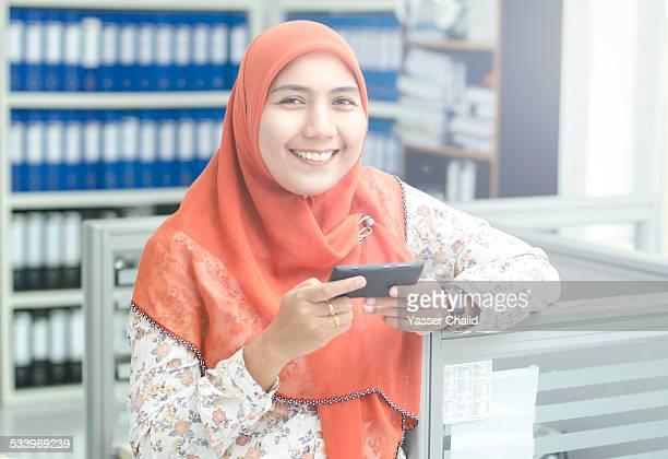 woman - indonesia map stockfoto's en -beelden