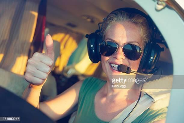 Frau in Pilot