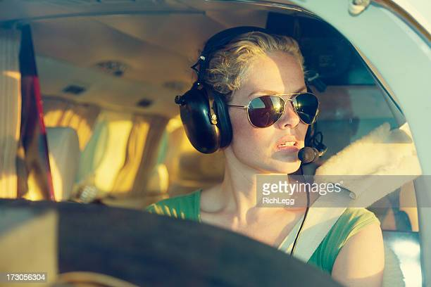woman pilot - piloting stock pictures, royalty-free photos & images