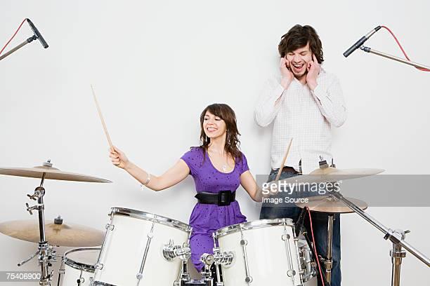 女性、ドラム