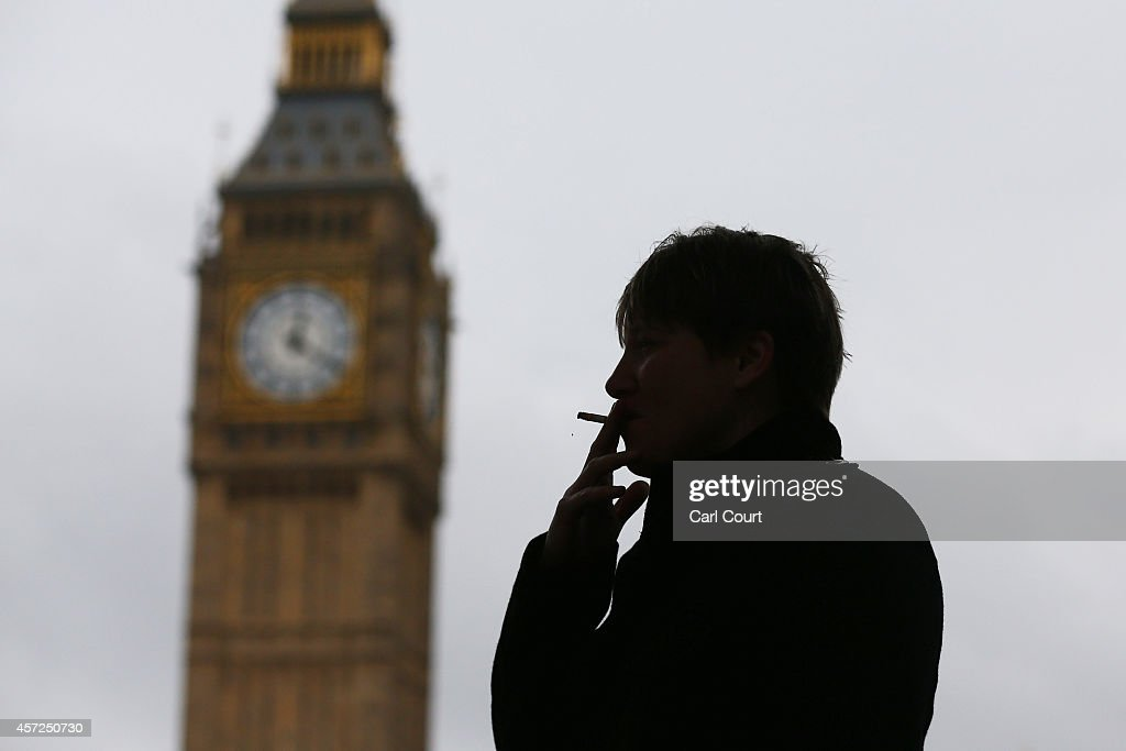 Calls For Smoke Free Trafalgar Square and Parliament Square : ニュース写真