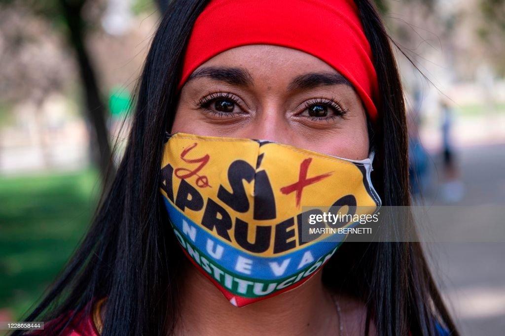 CHILE-CONSTITUTION-REFERENDUM-CAMPAIGN : News Photo