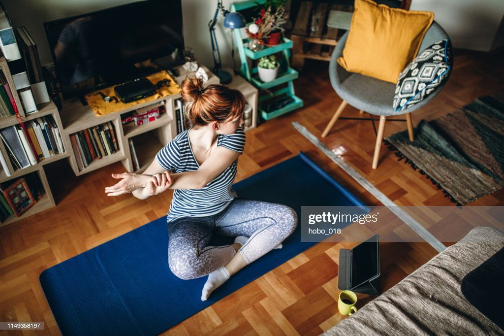 Woman practicing yoga : Foto de stock