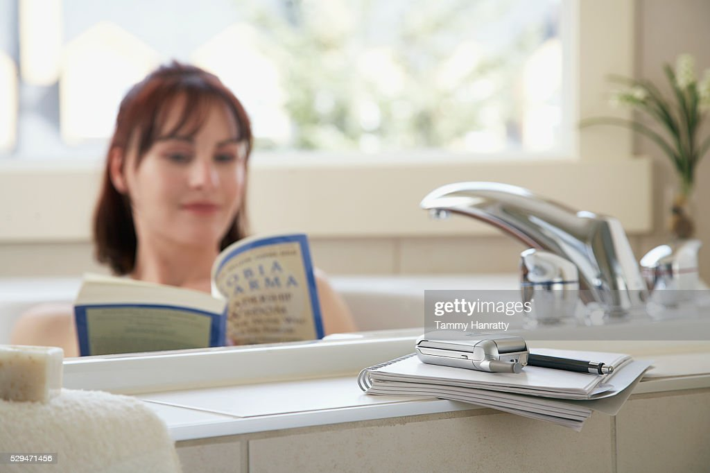 Reading In The Bathtub - Best Bathtub 2018