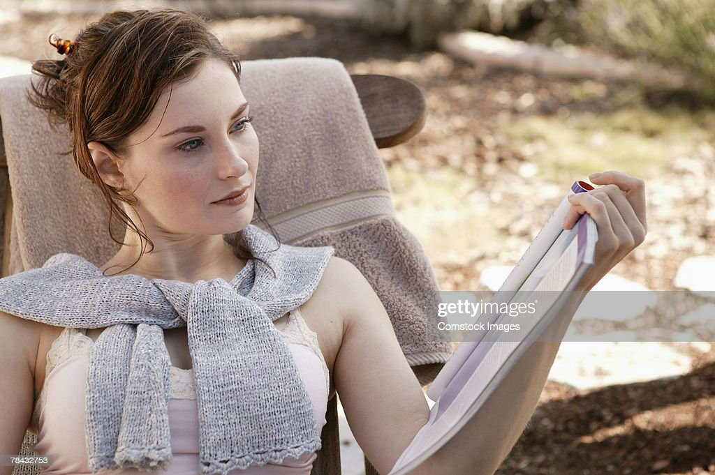 Woman reading : Stockfoto