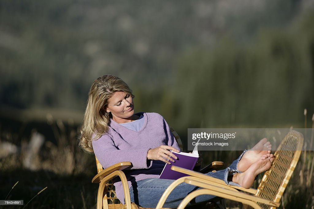 Woman reading : Stockfoto
