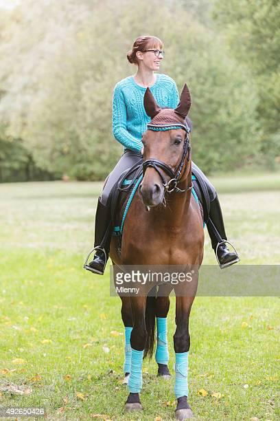 Frau Reiten Ihr Pferd
