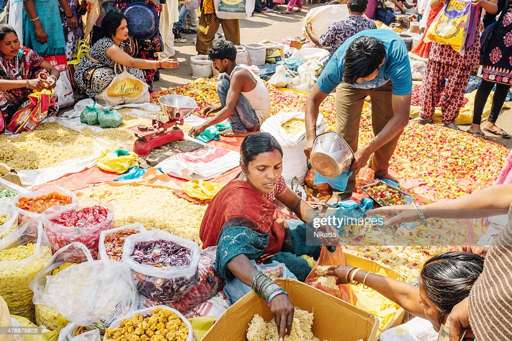 Woman selling pasta at the Chadni Chowk spice markets : Stock Photo