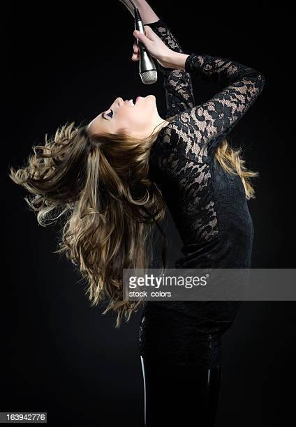 Femme Chanter