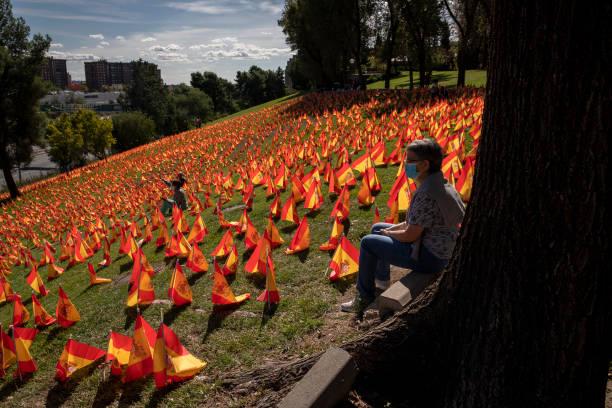 ESP: 53,000 Flags In Madrid Park Honor Spain's Coronavirus Dead