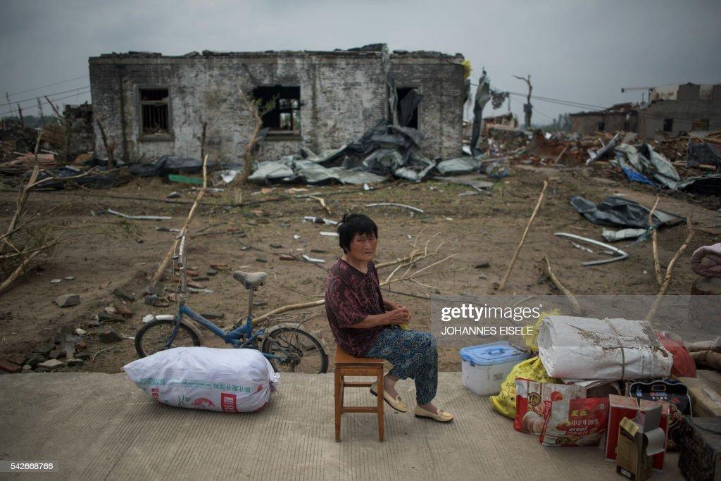 TOPSHOT-CHINA-WEATHER-DISASTER : News Photo