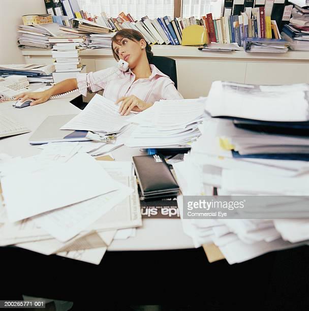 Schreibtisch chaos stock fotos und bilder getty images for Schreibtisch chaos