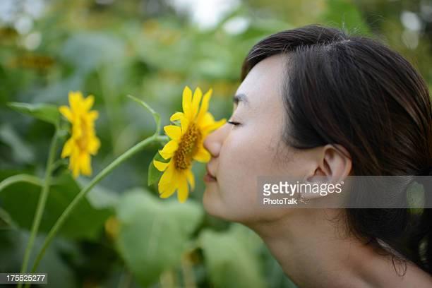 Woman Smell Flower - XXXXXLarge