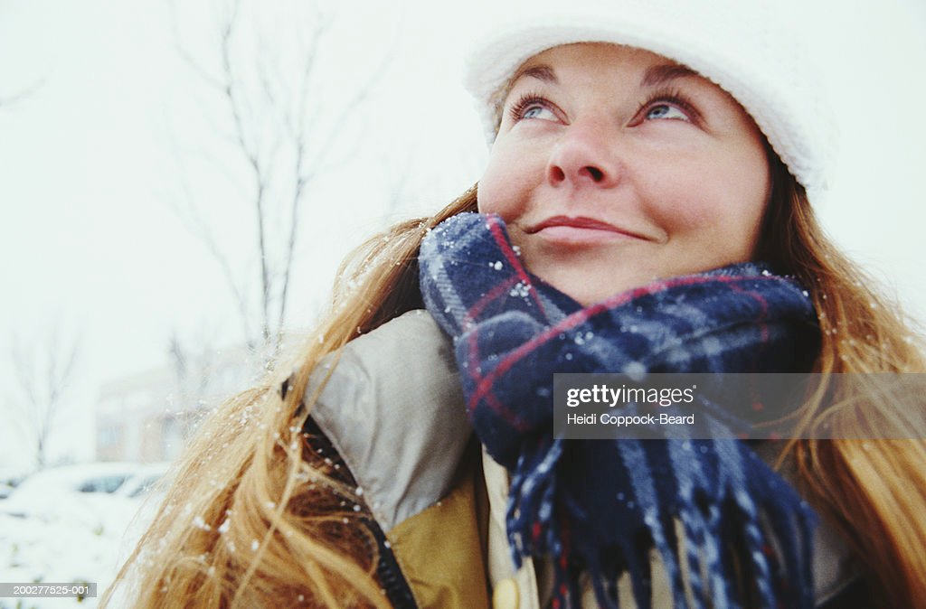 Woman smiling, winter : Foto stock