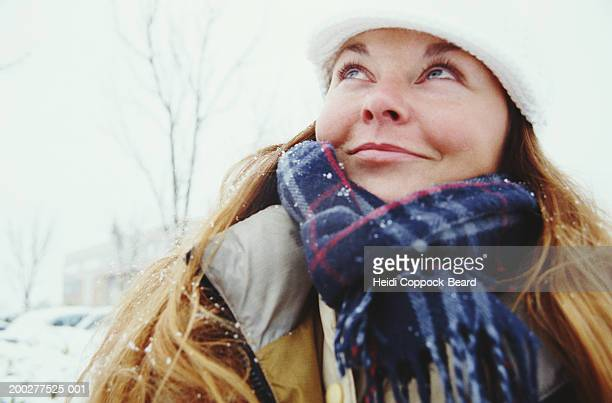 woman smiling, winter - heidi coppock beard stock pictures, royalty-free photos & images