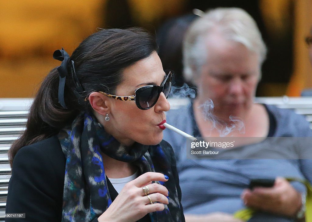 Melbourne May Become A Smoke-Free City : News Photo