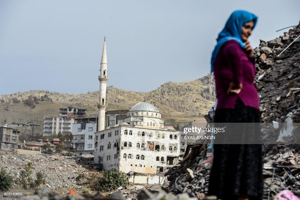 TOPSHOT-TURKEY-KURDS-CONFLICT-CURFEW : News Photo