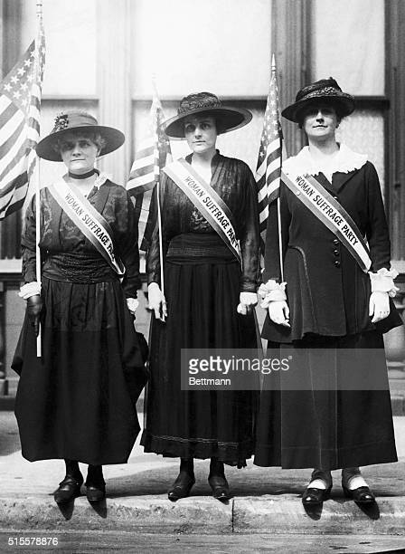 New York society women in Parade L to r Mrs Ogden Reid Mrs N Whitehouse Mrs J L Laidlaw