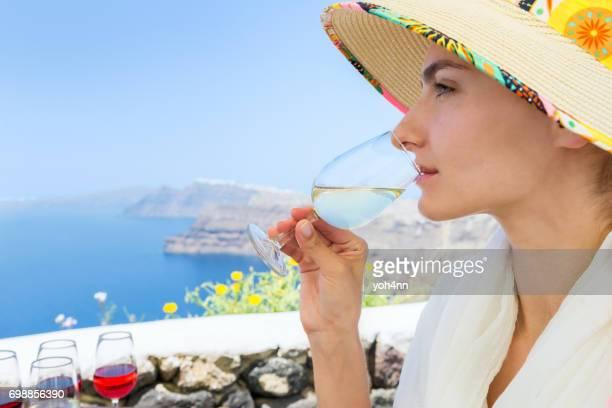 Frau Verkostung Weißwein