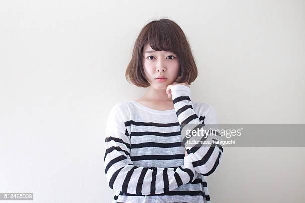 woman thinking about her future - mezzo busto foto e immagini stock