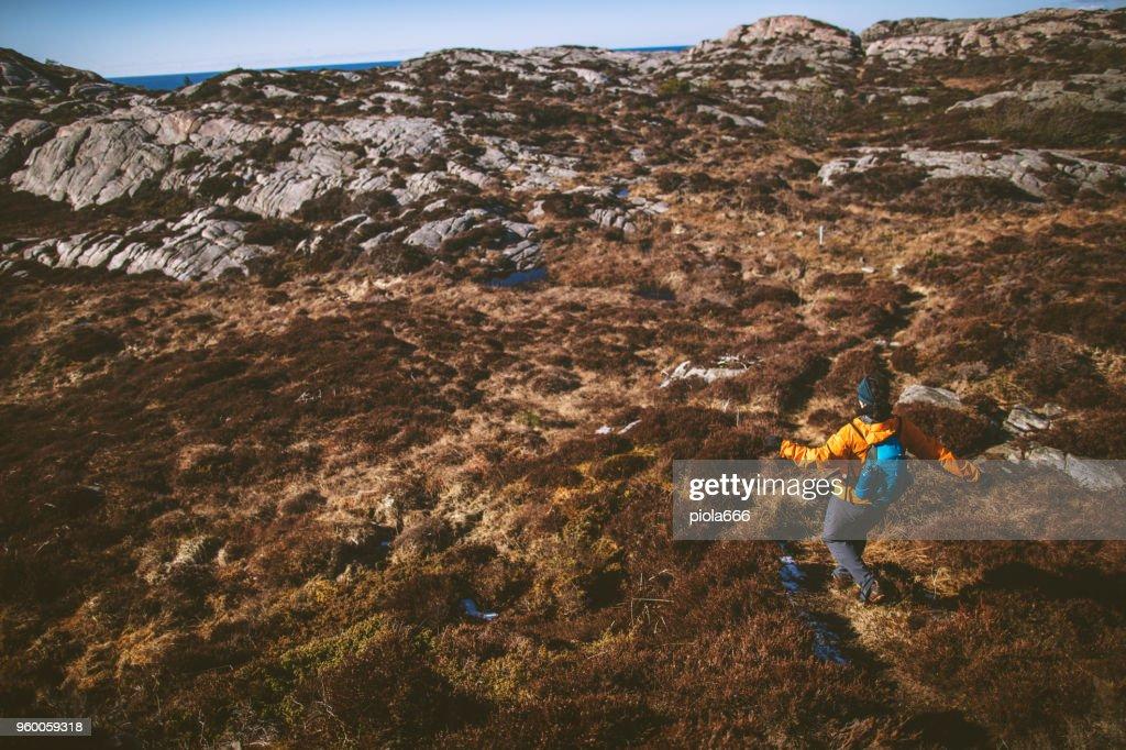 Frau Reiseabenteuer: Bergwandern in Norwegen : Stock-Foto