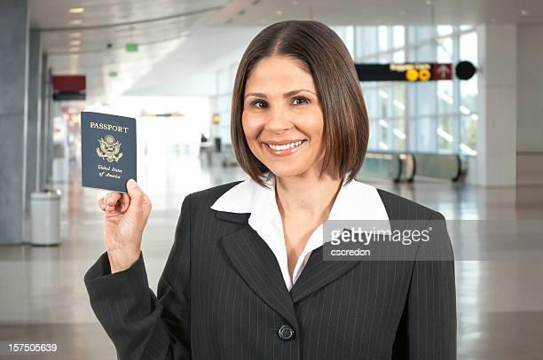 Frau Reisen am Flughafen