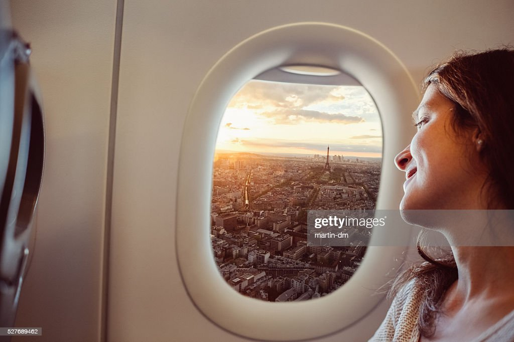 Woman travelling to Paris : Stock Photo