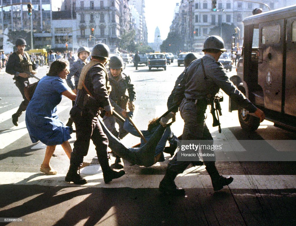 Anti-government Rally During Argentina's Dirty War : News Photo