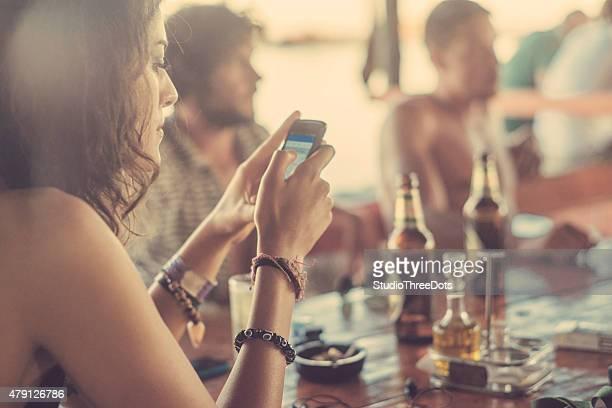 woman タイプは sms でレストラン