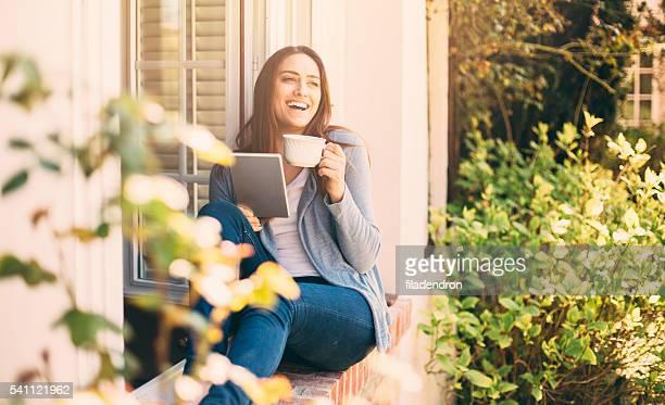 Mujer usando un tablet