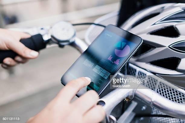woman using self tracking app. - on the move fotografías e imágenes de stock