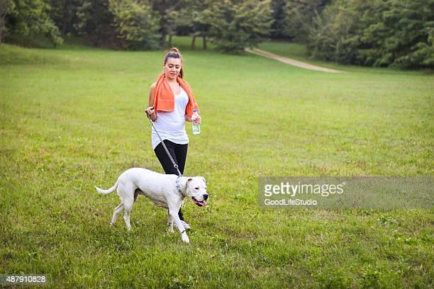Femme à son chien