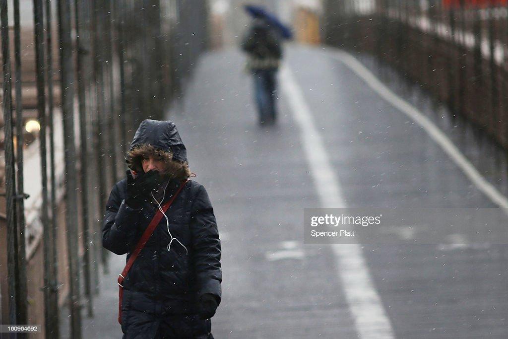 Major Snowstorm Bears Down On New York City : News Photo