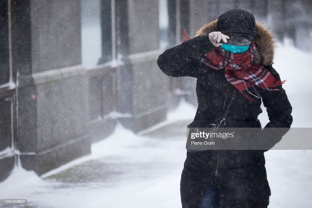 Meteorological Institute Issues Code Red As The First Snowstorm Since 2010 Hits The Netherlands : News Photo