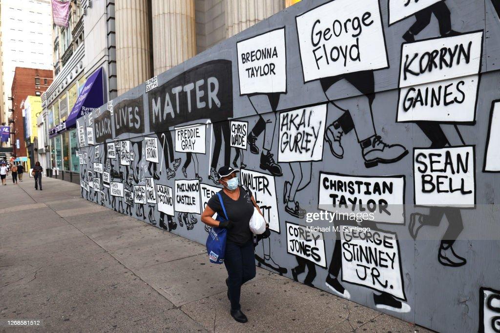 Protestors In New York Rally For Black Lives After Kenosha Shooting : News Photo