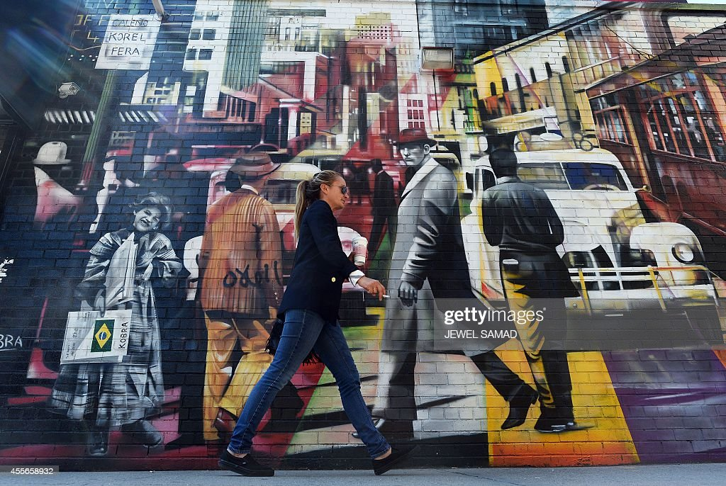 US-ECONOMY-ART : News Photo