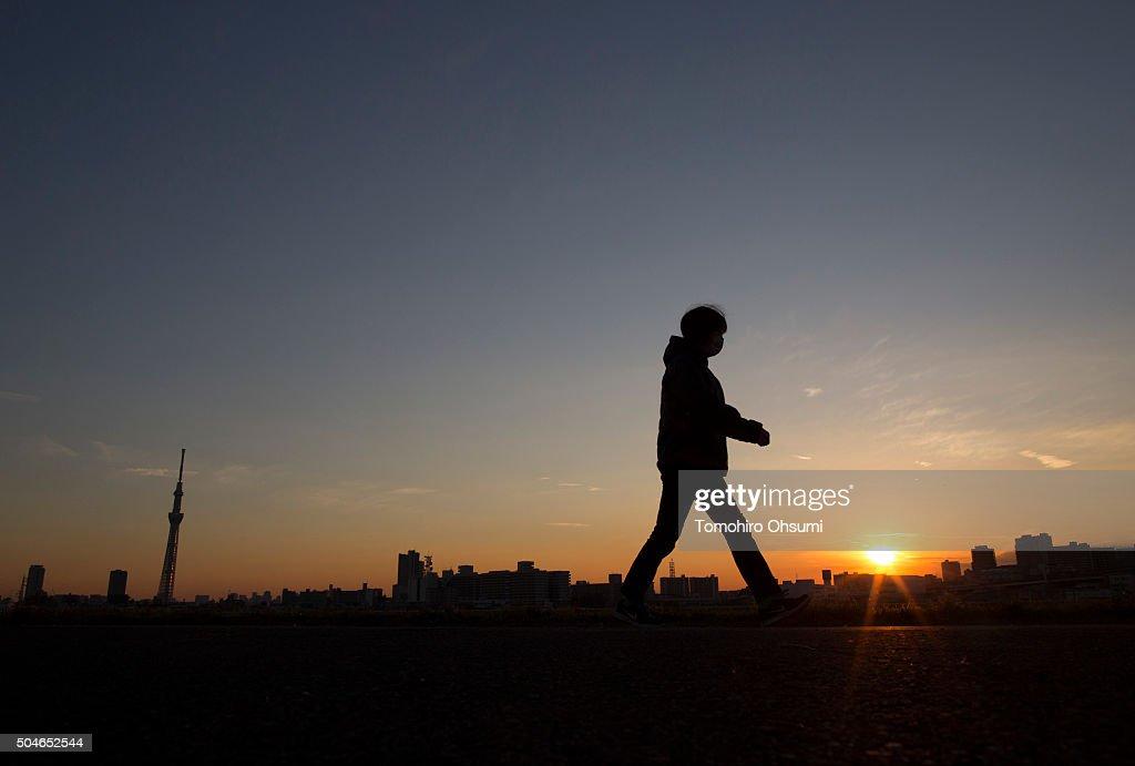 Winter Sunset In Tokyo : News Photo