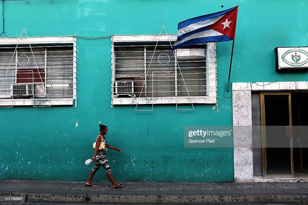 Santiago De Cuba Prepares For Visit Of Pope Benedict XVI : News Photo