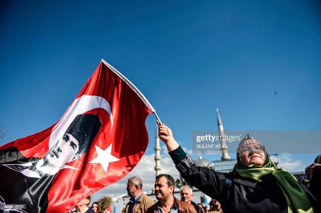 TURKEY-POLITICS-VOTE : News Photo