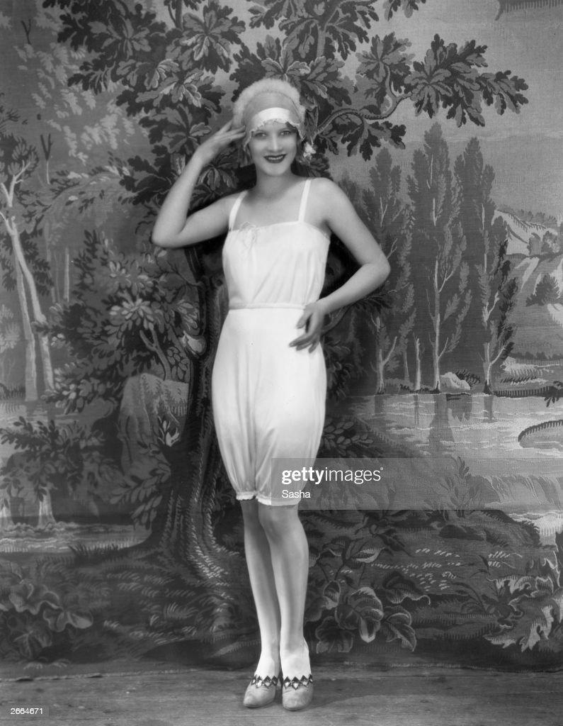 1920s Fashion : News Photo