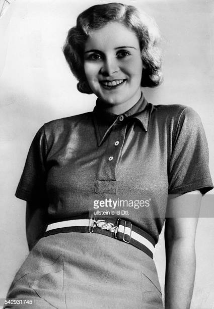 Woman wearing a polo shirt and a rubber belt Photographer Yva Published by 'Berliner Illustrirte Zeitung ' 29/1933Vintage property of ullstein bild
