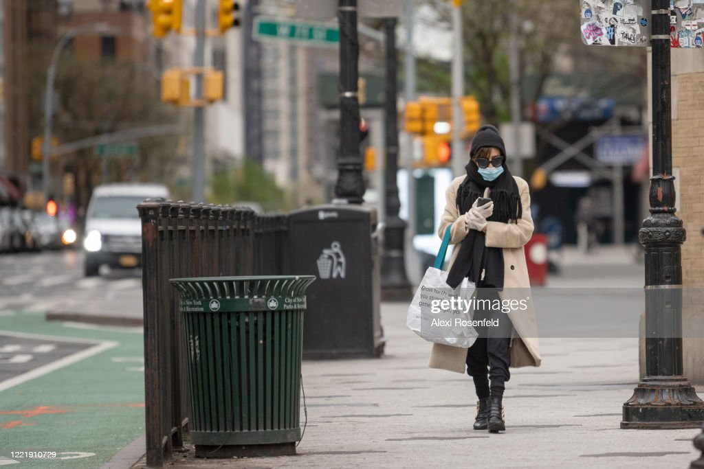 New York Continues To Struggle With Coronavirus Spread As Parts Of U.S. Look To Reopen : News Photo