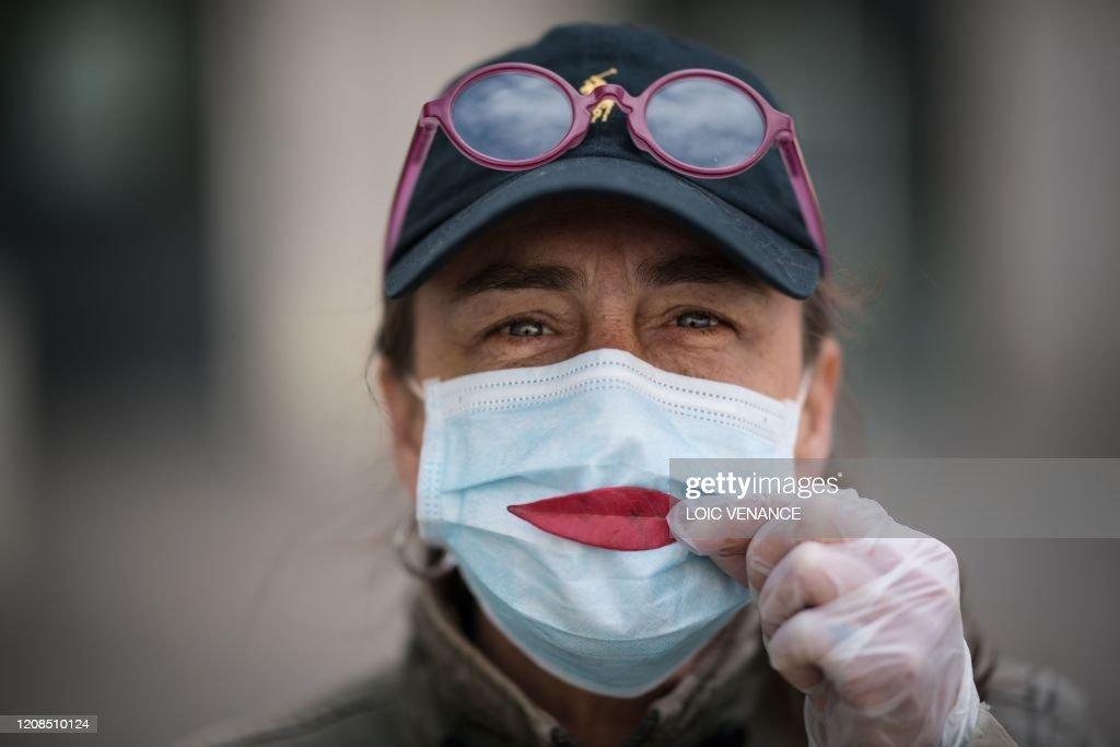 TOPSHOT-FRANCE-HEALTH-VIRUS : News Photo