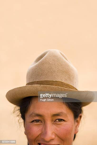 woman wearing hat - hugh sitton stock pictures, royalty-free photos & images