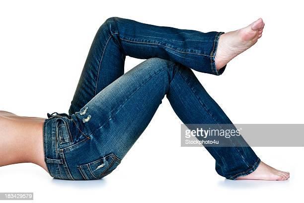 Femme portant des jeans