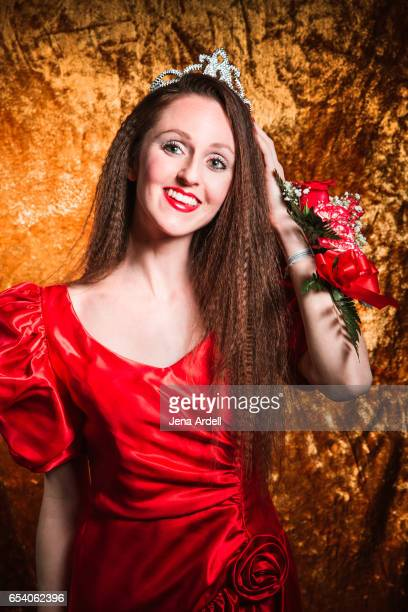 woman wearing red dress and crown - jena rose stockfoto's en -beelden