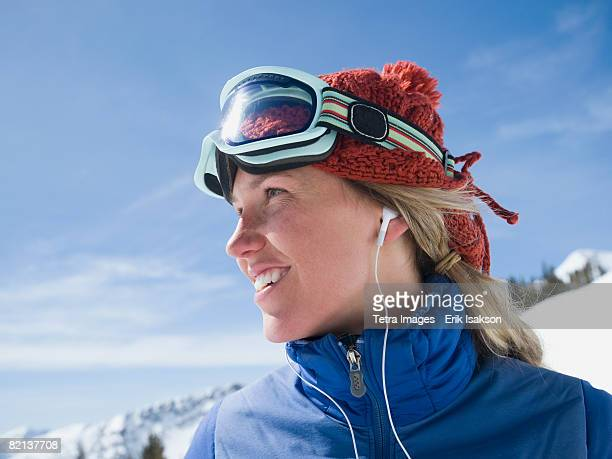 woman wearing ski gear - ski goggles stock pictures, royalty-free photos & images