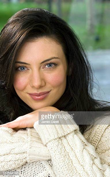 woman wearing thick sweater - thick white women stock photos and pictures